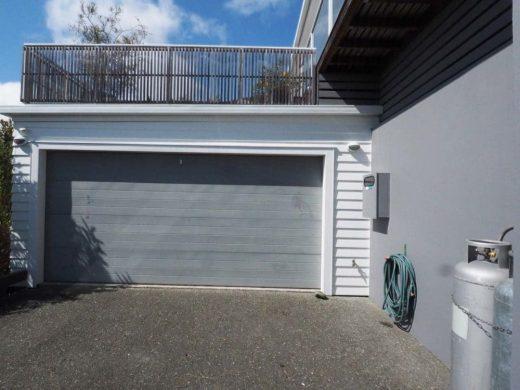 Exterior - Garage door